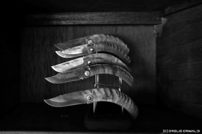 couteau, couteaux pliants corses avec manches en corne de bélier